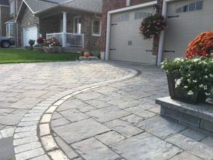 Curved driveway apron